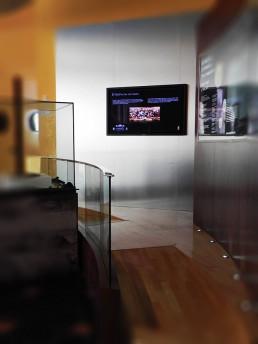 rampas acceso zona exposición hall