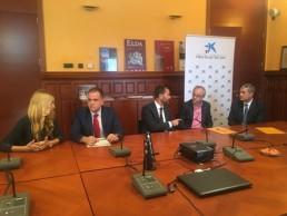 Firma del convenio Obra Social La Caixa y Fundación C.V. MARQ